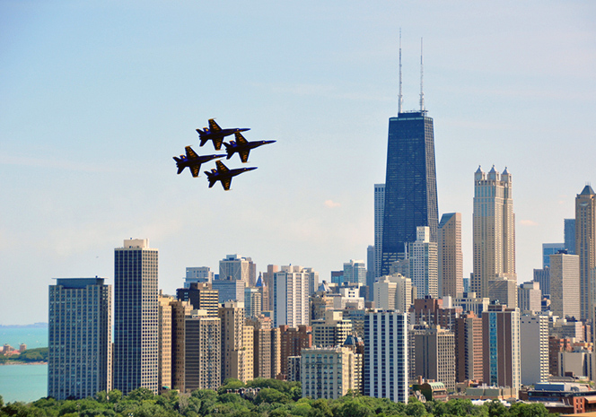 Enjoy the Best Views to this Weekend's Air and Water Show at these Chicago Hotspots